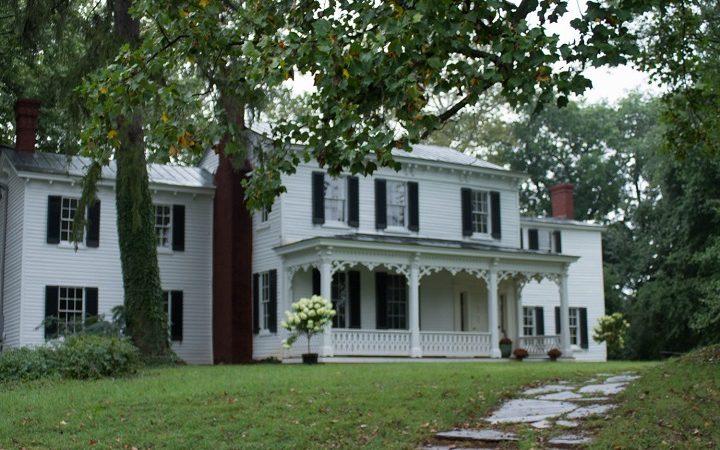 A white house