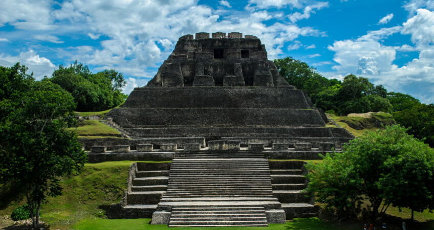 xunatunich in belize