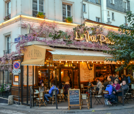 The Benefits Of Living In More Than One Country paris cafe