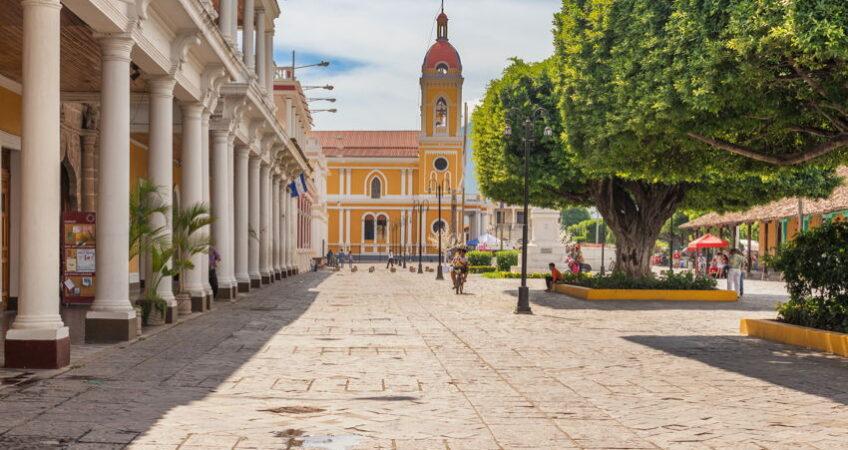 granada colonial city in nicaragua