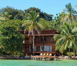 house by sea panama