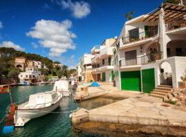 Traditional white Spanish villas in Cala Figuera on Mediterranean Sea, Mallorca, Spain.